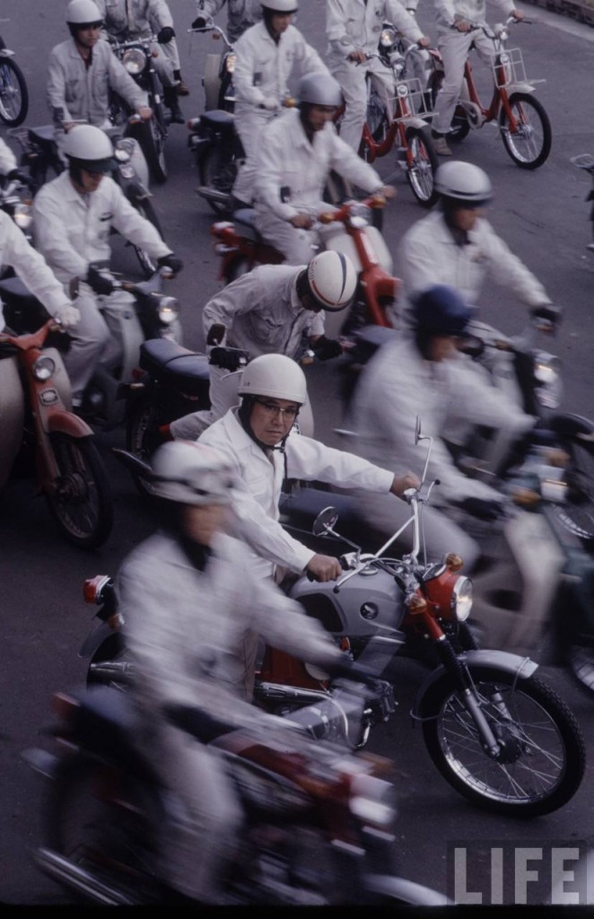 Honda - Yamaha Story - Photographer_T. Tanuma - 02 - TIME