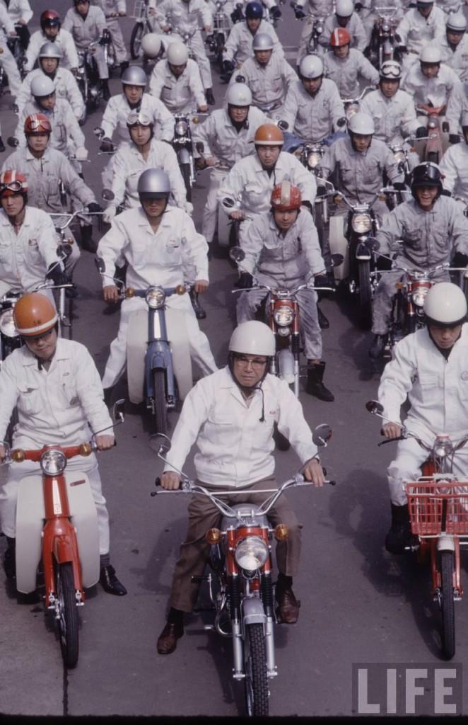 Honda - Yamaha Story - Photographer_T. Tanuma - 04 - TIME